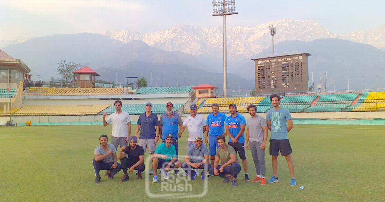 Ranveer Singh With Team
