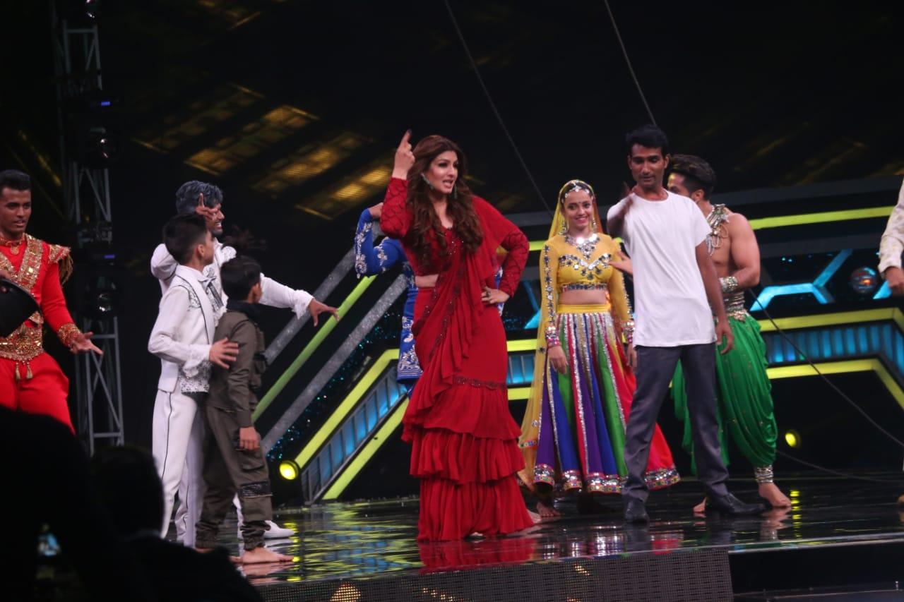 Raveena Tandon Dance At Super Dancer Chapter 3