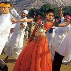Shah Rukh Khan Salman Khan Bhangra Paa Le Karan Arjun Sneha Sunny Kaushal