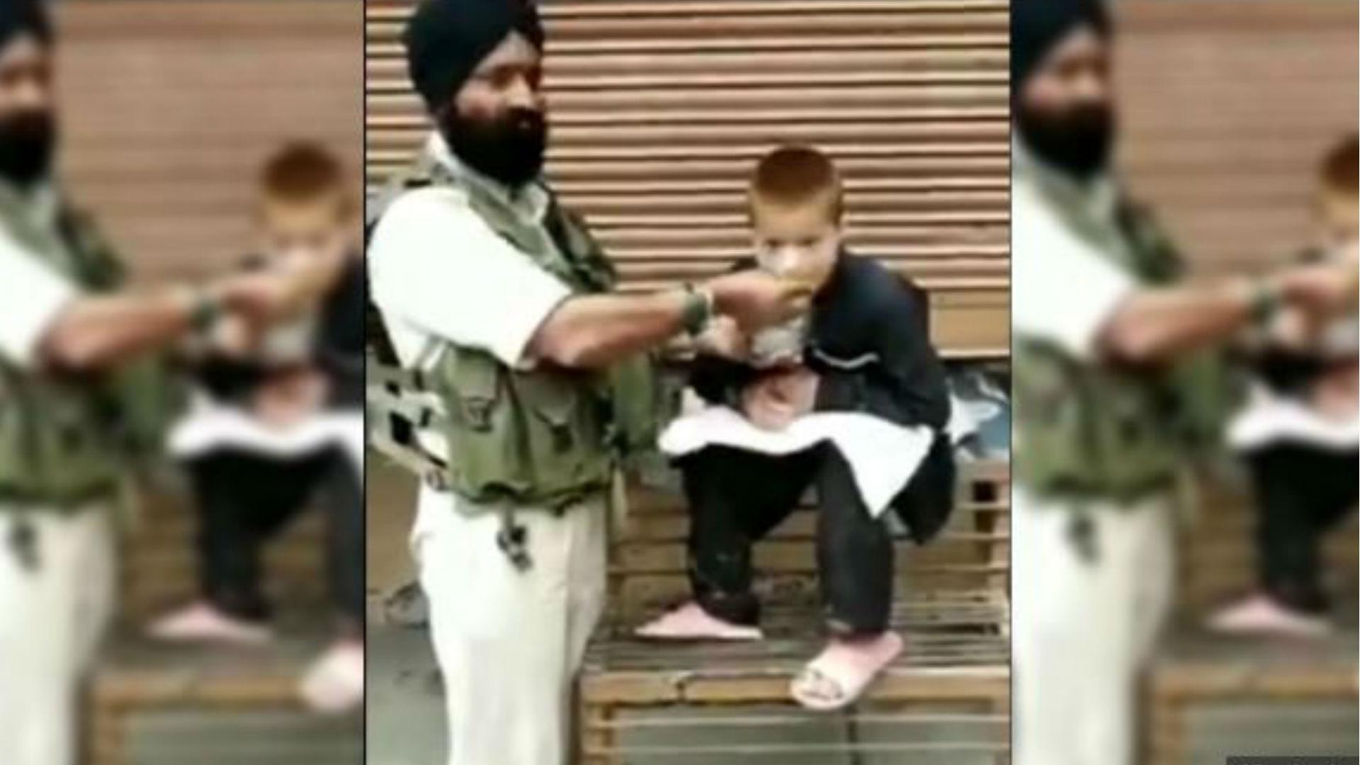 सीआरपीएफ जवान ने पेश की मिसाल, लकवाग्रस्त बच्चे को अपना खाना खिलाते हुए वीडियो वायरल