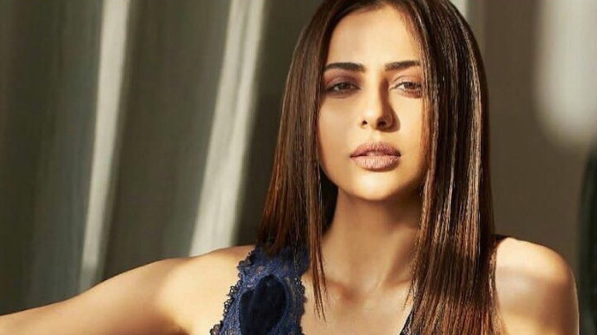 रकुल प्रीत सिंह का दिखा अब तक का सुपर हॉट लुक, एब्स फ्लॉन्ट करती इस अंदाज में नजर आई एक्ट्रेस