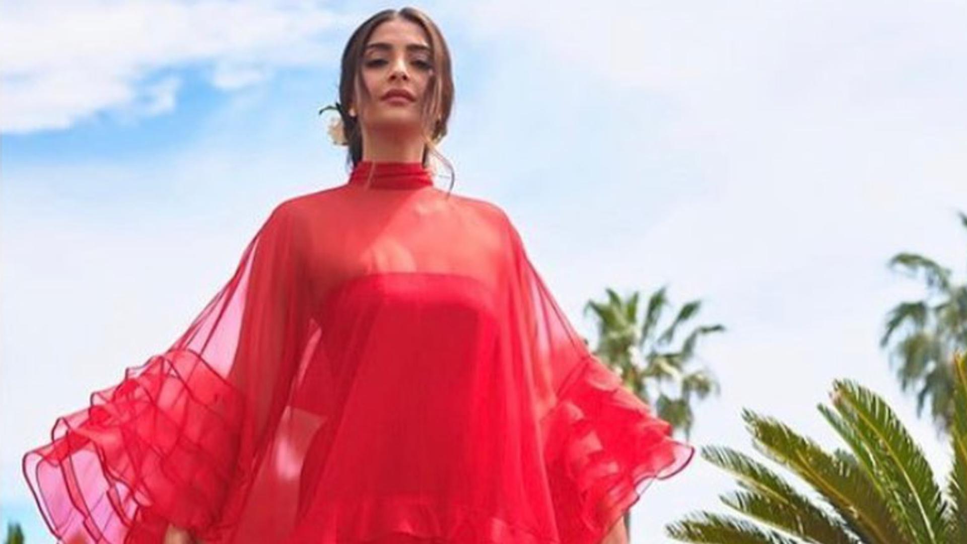 Cannes 2019: अनिल कपूर ने सोनम कपूर और रिया कपूर के फैशन सेंस को लेकर की तारीफ, खुद को बताया प्राउड फादर
