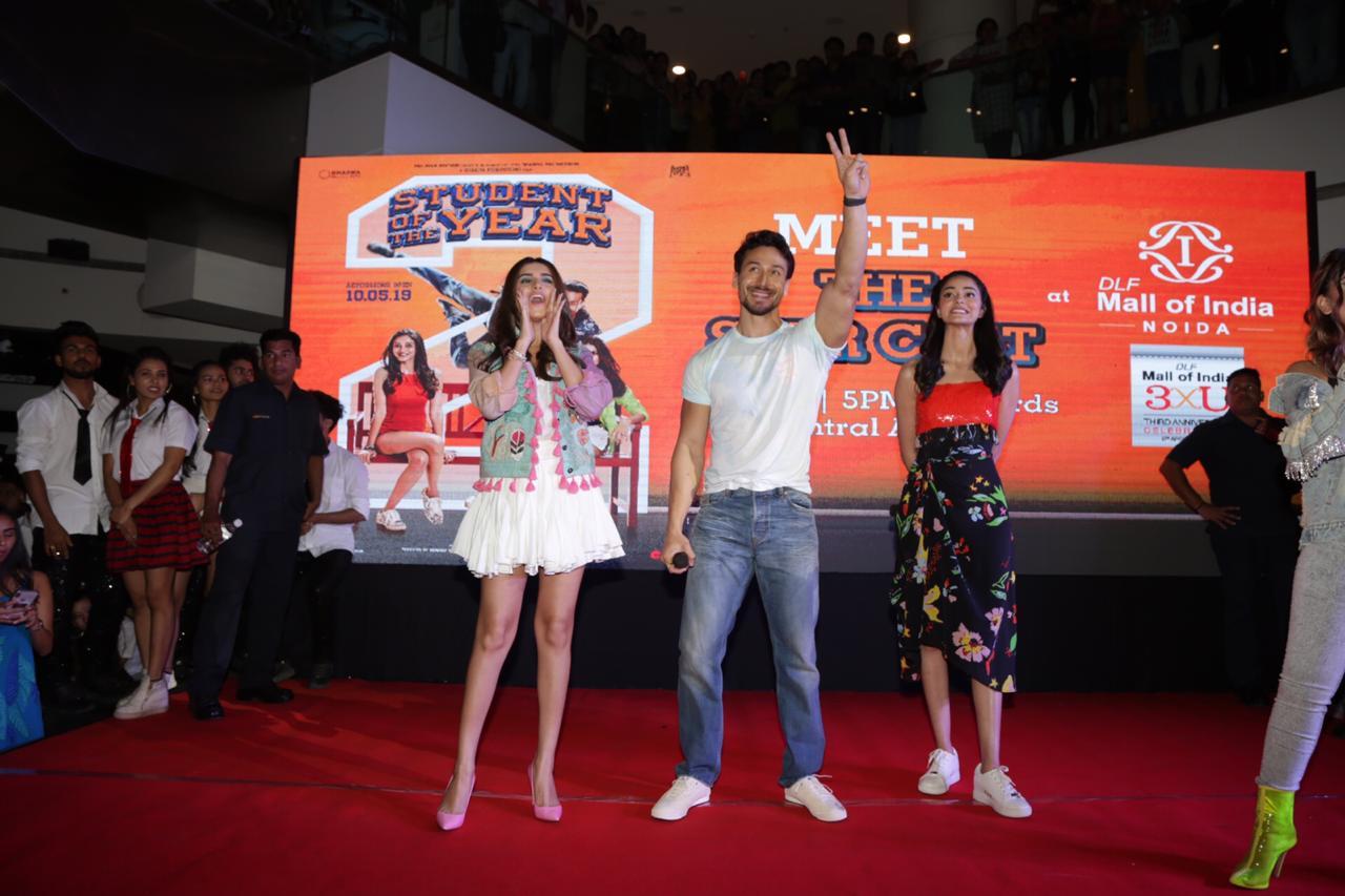Student Of The Year 2 Tara Sutaria Ananya Pandey Tiger Shroff (2)