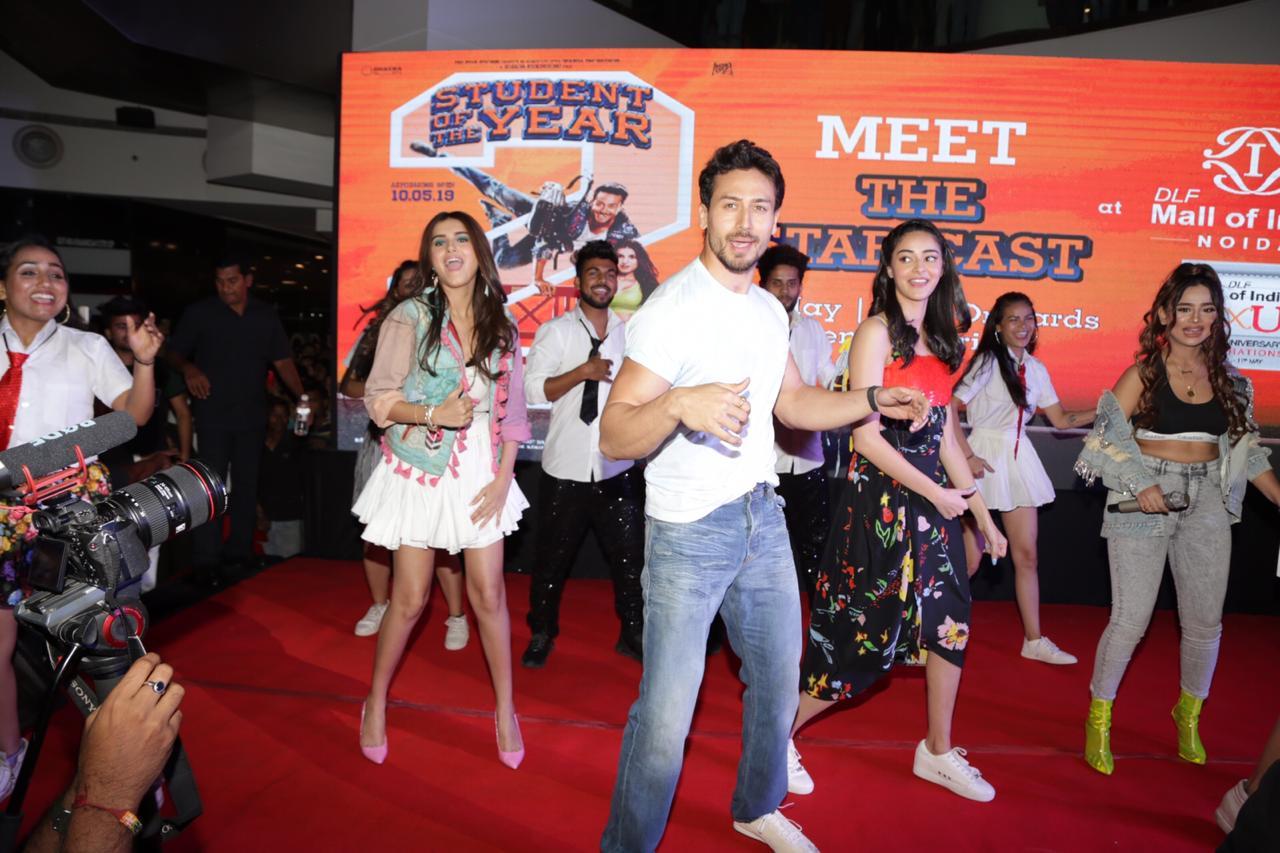 Student Of The Year 2 Tara Sutaria Ananya Pandey Tiger Shroff Dance
