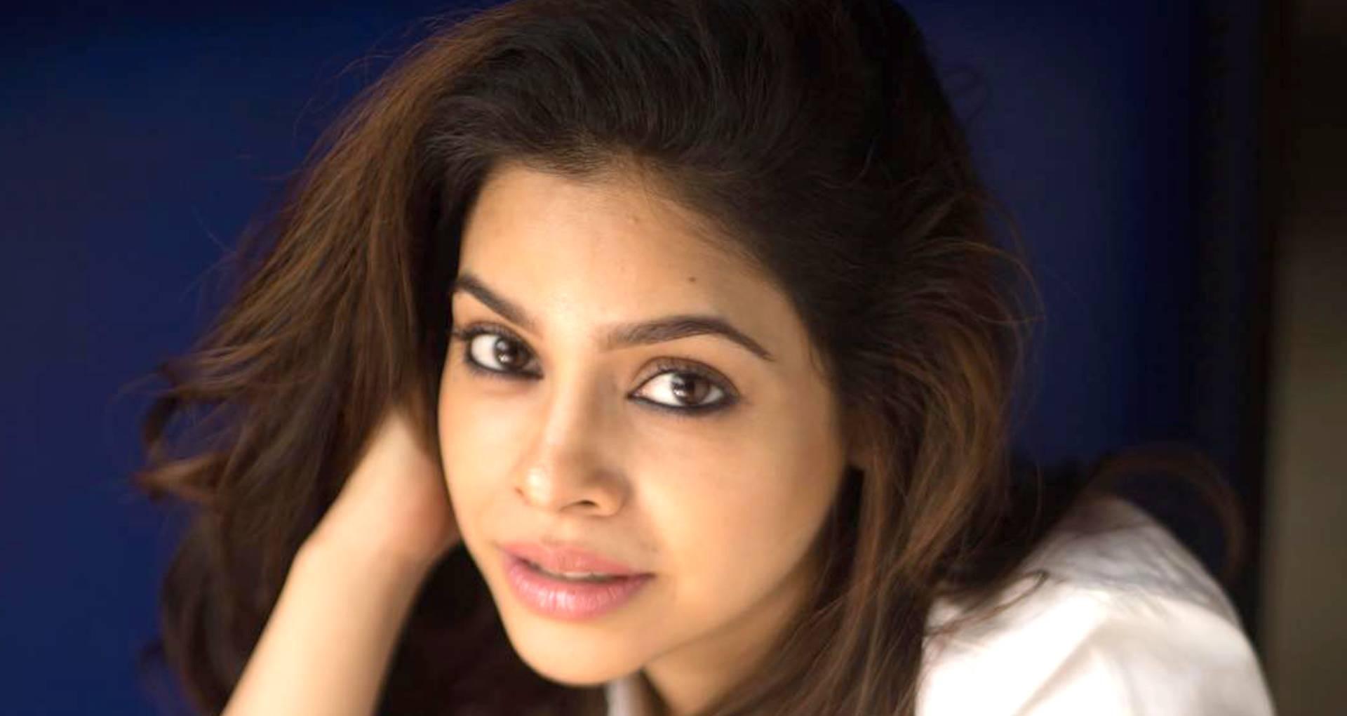 हिना खान के सपोर्ट में आई सुमोना चक्रवर्ती, बोली- छोटे पर्दे के सितारों को कम न समझे कोई