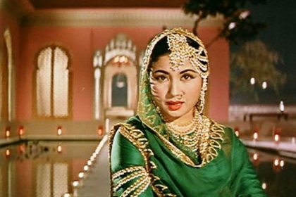 The Tragedy Queen of Bollywood actress Meena Kumari death her films Kamal Amrohi
