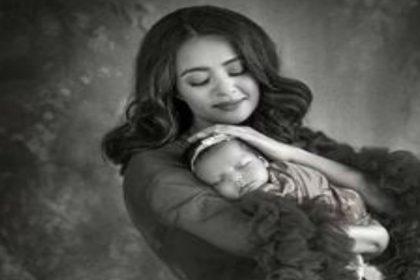 सुरवीन चावला ने बेटी इवा के साथ कराया फोटोशूट, मां-बेटी की दिखी खूबसूरत बॉन्डिंग