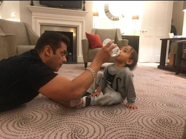 Salman Khan With Ahil