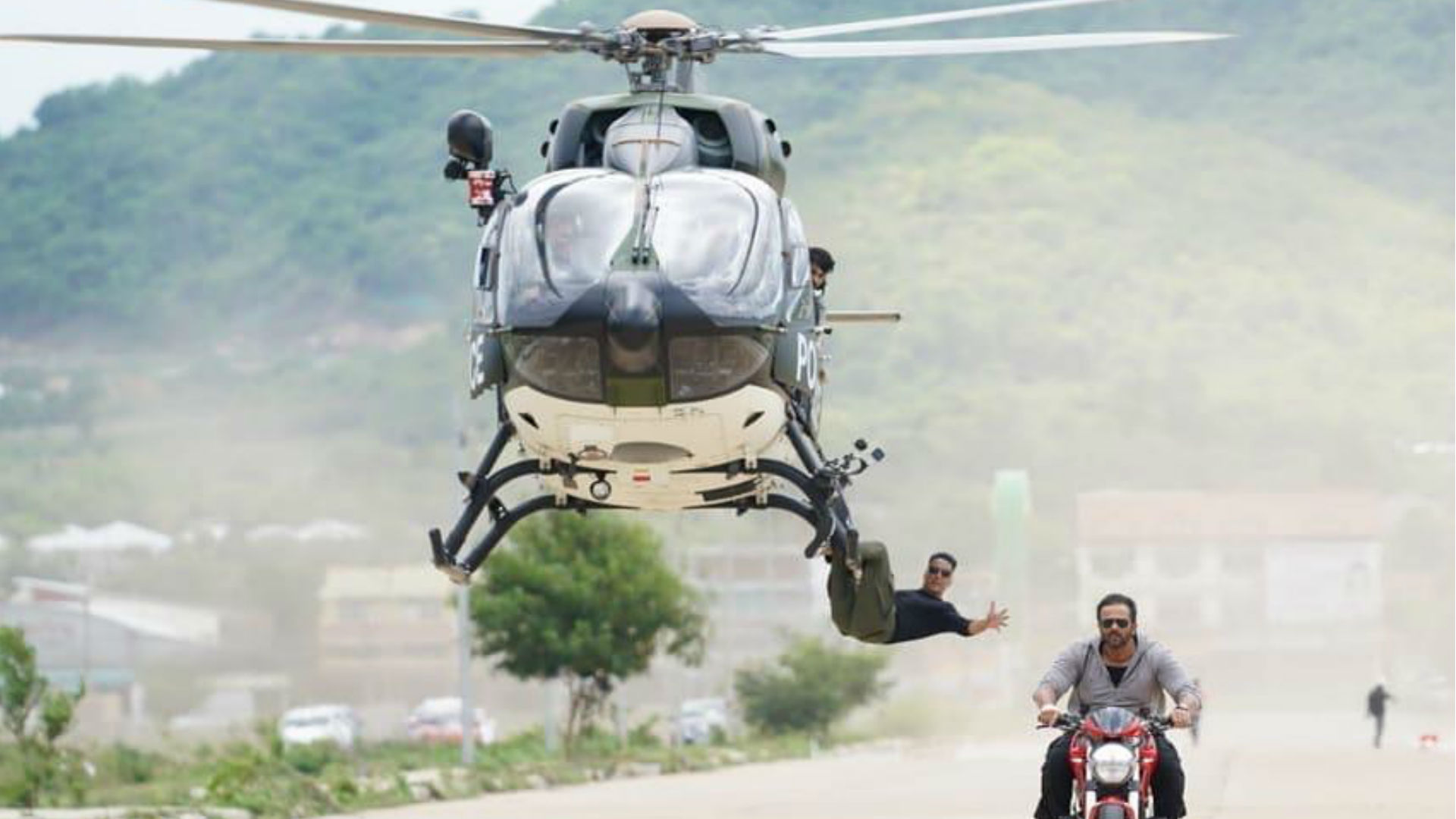 अक्षय कुमार ने फिल्म सूर्यवंशी के सेट से शेयर किया अपने स्टंट का वीडियो, एक्शन को यूं बताया अपनी लाइफलाइन