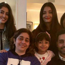 Navya Naveli Nanda shares photo with Abhishek Bachchan Aishwarya Rai Bachchan Aaradhya Bachchan dinn