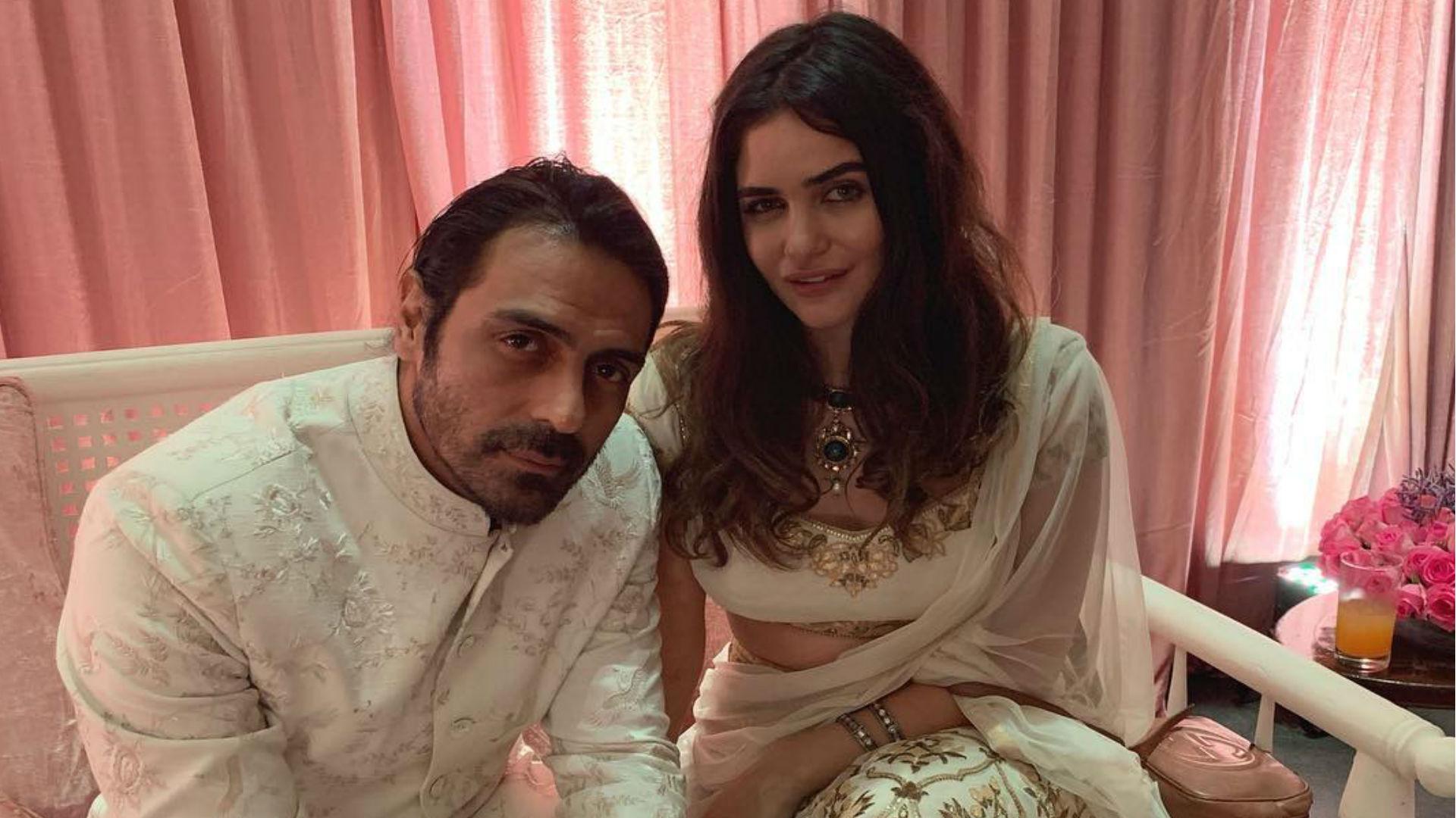 अर्जुन रामपाल की गर्लफ्रेंड बनने वाली हैं मां, बच्चे के जन्म से पहले मुंबई पहुंचे गैब्रिएला के माता-पिता