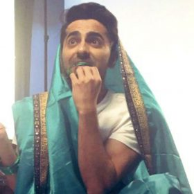 Ayushmann Khurrana Saree Twitter Dream Girl Movie