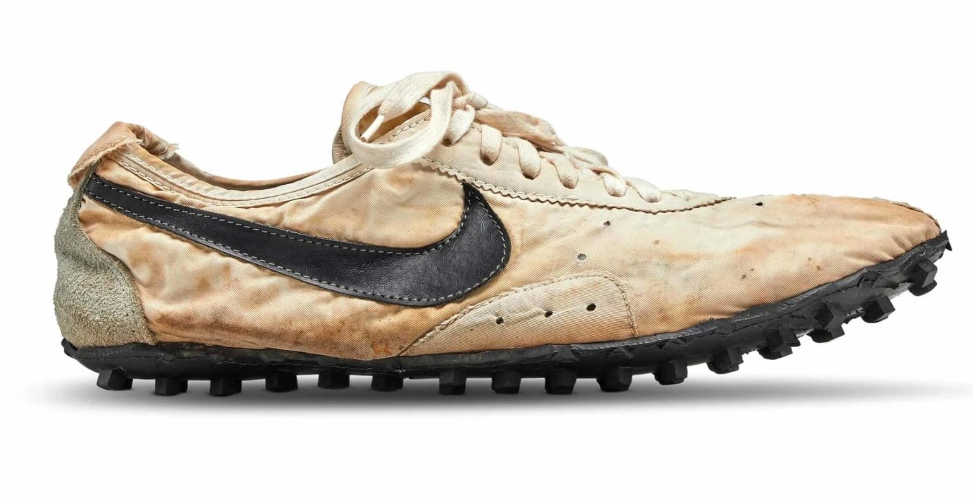 इस जूते की कीमत सुनकर उड़ जाएंगे आपके होश, इतने रुपये में तो आप दिल्ली-मुंबई में खरीद सकते हैं बंगला