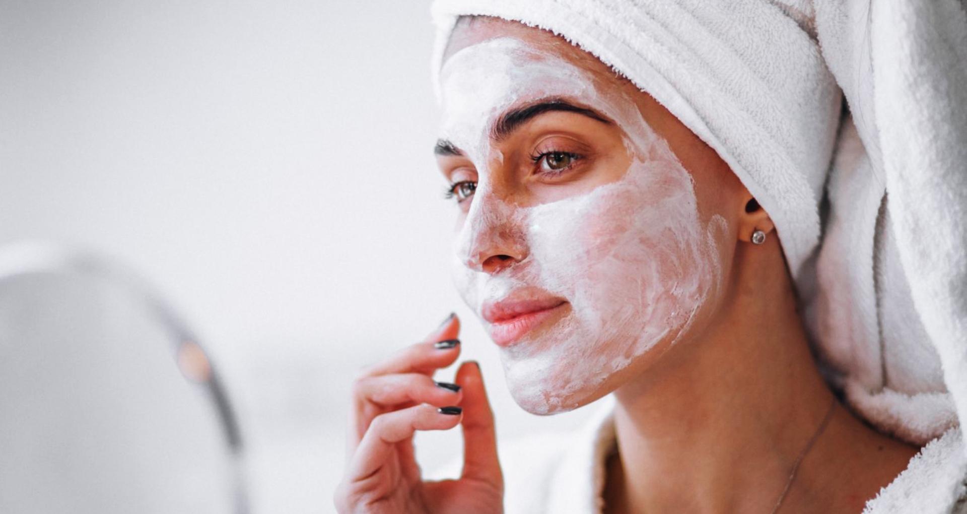 Beauty Tips: फेसपैक लगाते वक्त इन बातों का हमेशा रखें ख्याल, आपकी ये गलतियां स्किन को पहुंचा सकती हैं नुकसान