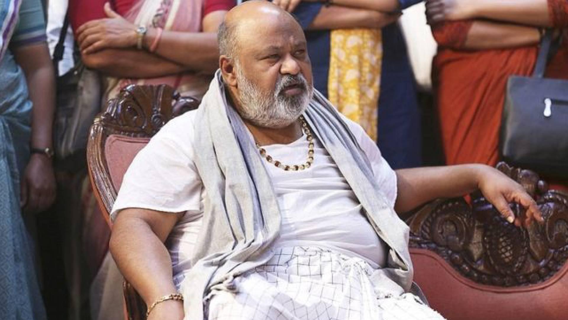 Family Of Thakurganj: गुस्से से तिलमिलाए एक्टर सौरभ शुक्ला ने किया ये काम, जिसके बाद सेट पर हुआ घंटो बवाल