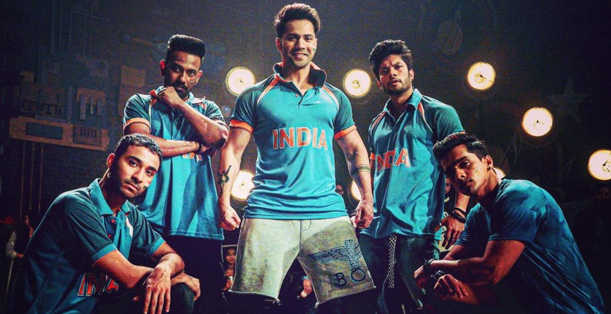 वरुण धवन पर भी चढ़ा वर्ल्ड कप का खुमार, स्ट्रीट डांसर 3 के कास्ट संग टीम इंडिया को यूं चीयर करते नजर आए एक्टर