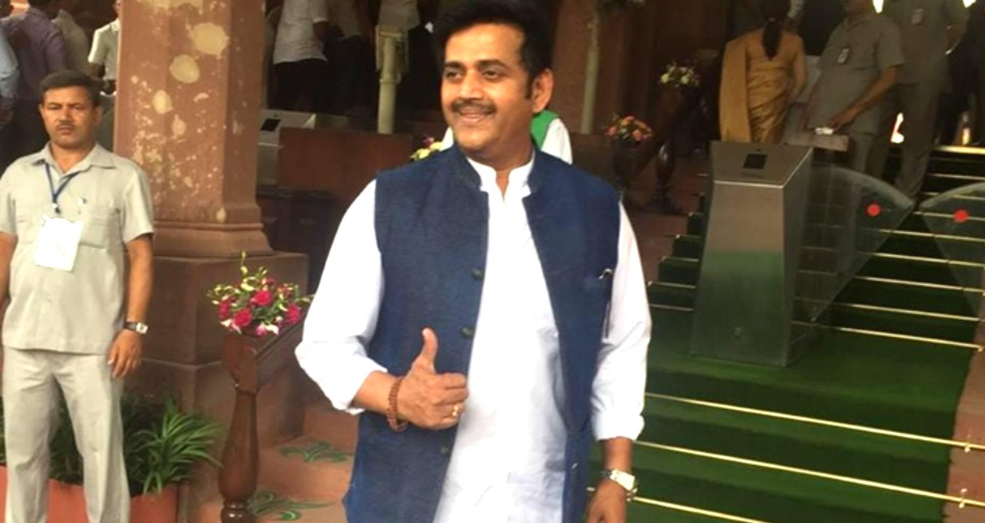 सांसद रवि किशन ने लोकसभा में भोजपुरी को आठवीं अनुसूची में शामिल करने की मांग, पीएम मोदी को लेकर कही ये बात