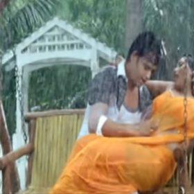 Ravi Kishan Rani Chatterjee Dance