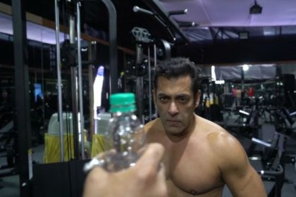 Salman Khan Bottle Cap Challenge