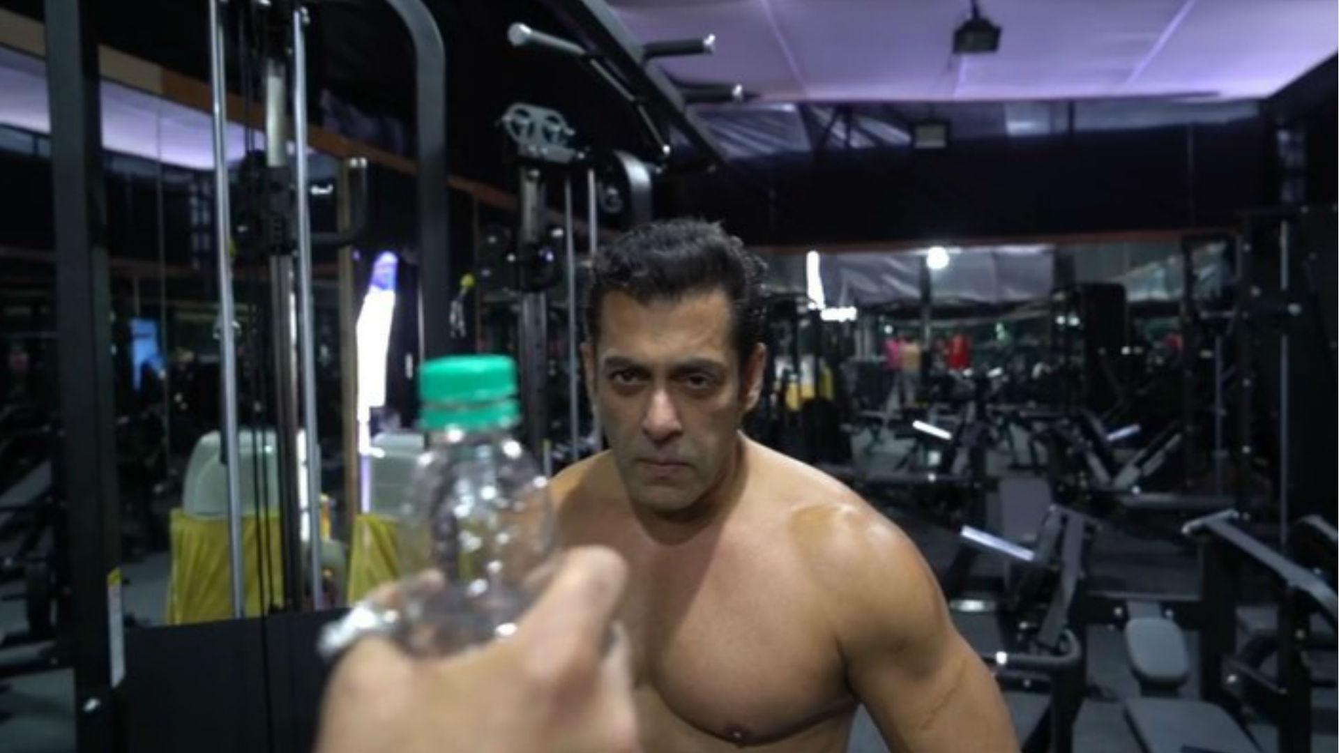 #BottleCapChallenge को सलमान खान ने अनोखे अंदाज में किया पूरा, दुनिया को दिया ये मैसेज