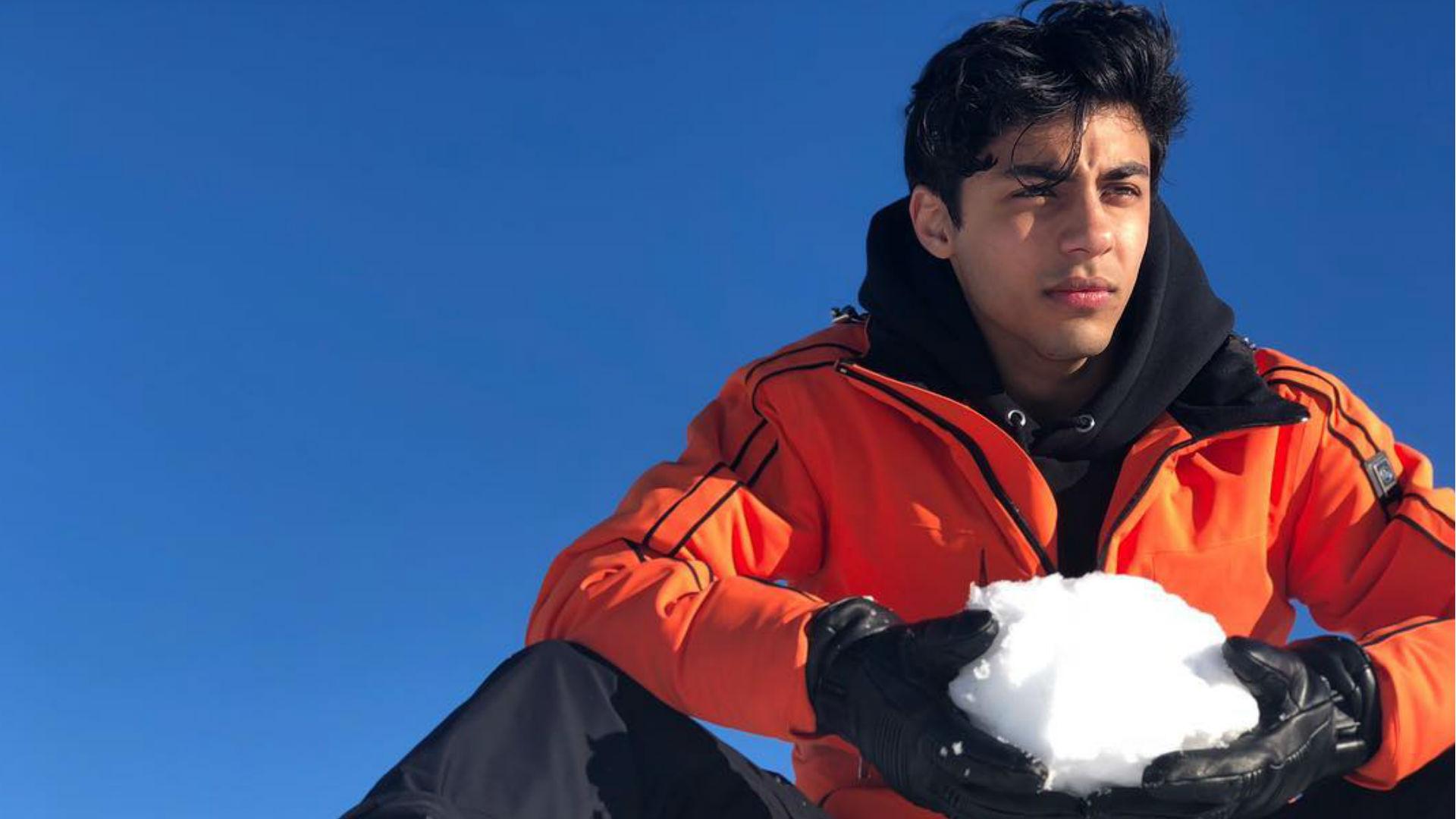 शाहरुख खान के बेटे आर्यन खान को हुआ प्यार! जानिए लंदन की ब्लॉगर है या बॉलीवुड की कोई एक्ट्रेस?