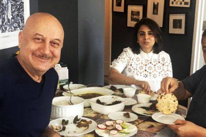 Anupam Kher with rishi Kapoor