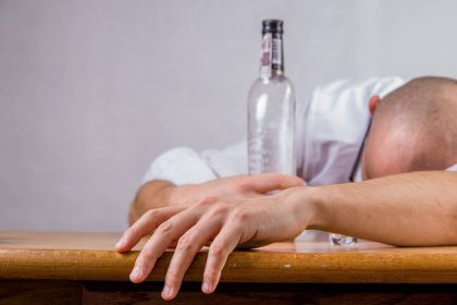 इन 6 तरीकों से छुड़ाएं शराब की लत (फोटो-पिक्साबे)