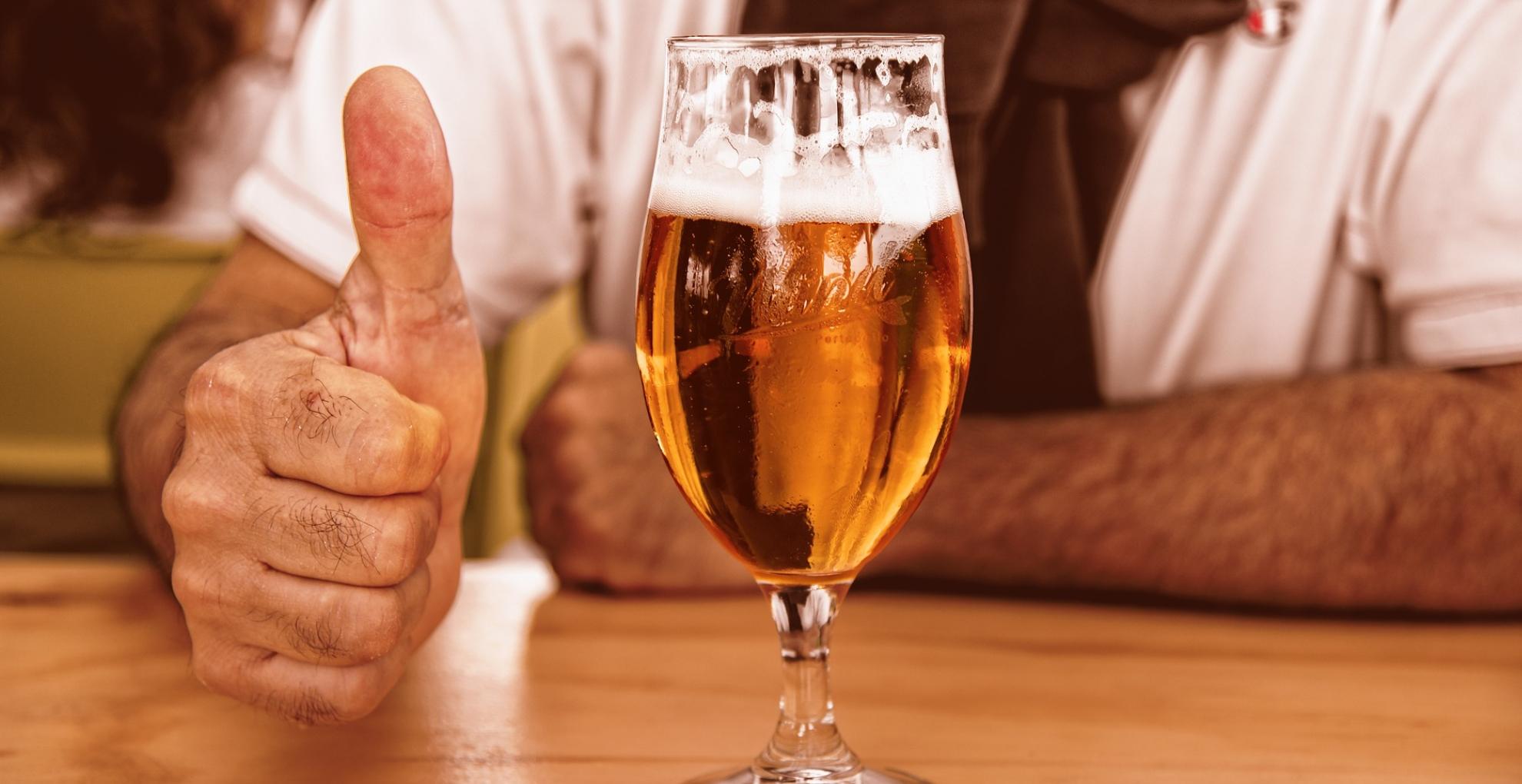 International Beer Day 2019: वजन कम करने के साथ ही कई बीमारियों से बचाती है बीयर, जानिए इसके हेल्थ बेनिफिट