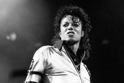 डांस के बाप कहे जाने वाले 'किंग ऑफ पॉप' माइकल जैक्सन की आज 61 वीं जयंती (फोटो-सोशल मीडिया)
