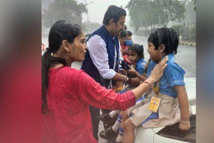 फिल्म में ही नहीं रियल लाइफ में भी असली हीरो हैं रवि किशन, हादसे के बाद इस तरह से की मासूमों की मदद