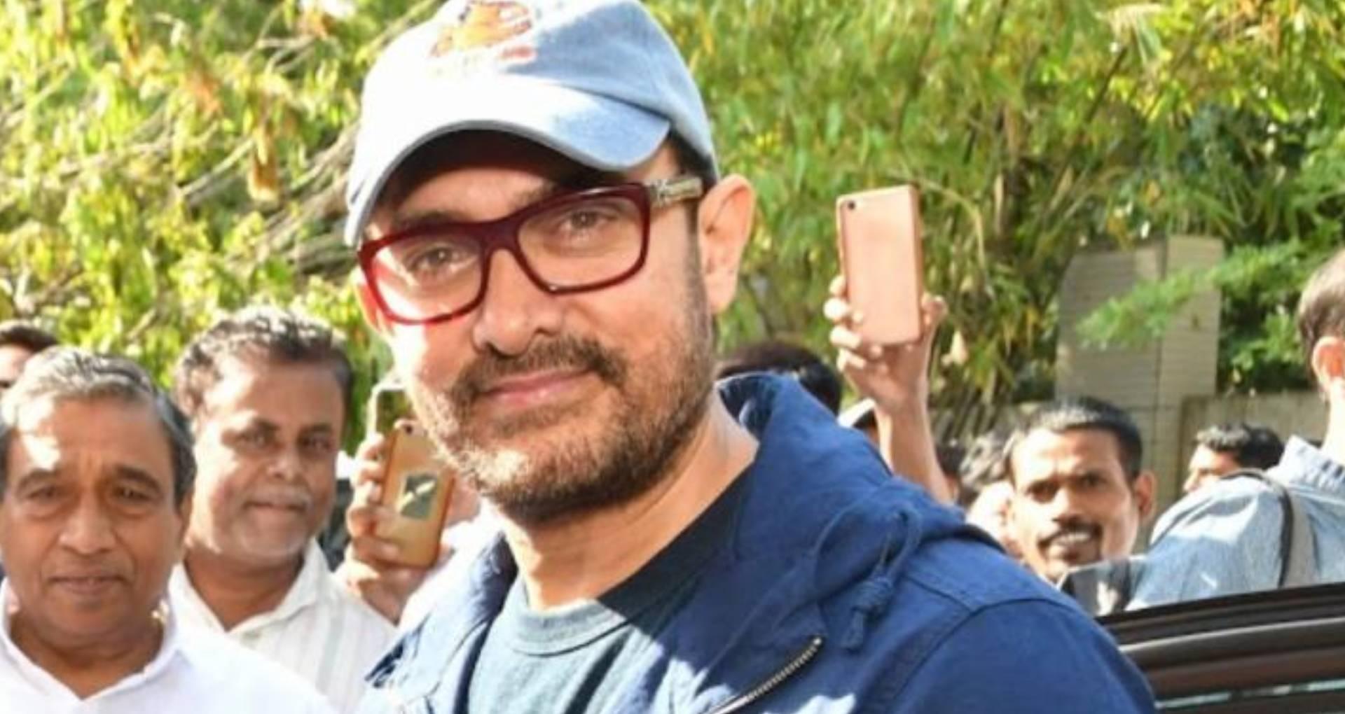 आमिर खान ने बाढ़ पीड़ितों की मदद के लिए डोनेट किए 25 लाख रुपए, महाराष्ट्र के मुख्यमंत्री ने ऐसे जताया आभार