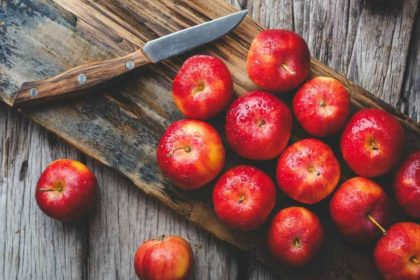 Apple Stew with clove or cinnamon Detox your body its use in Health Care Tips