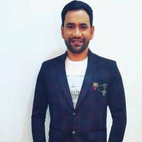 Dinesh Lal Yadav superstar bhojpuri