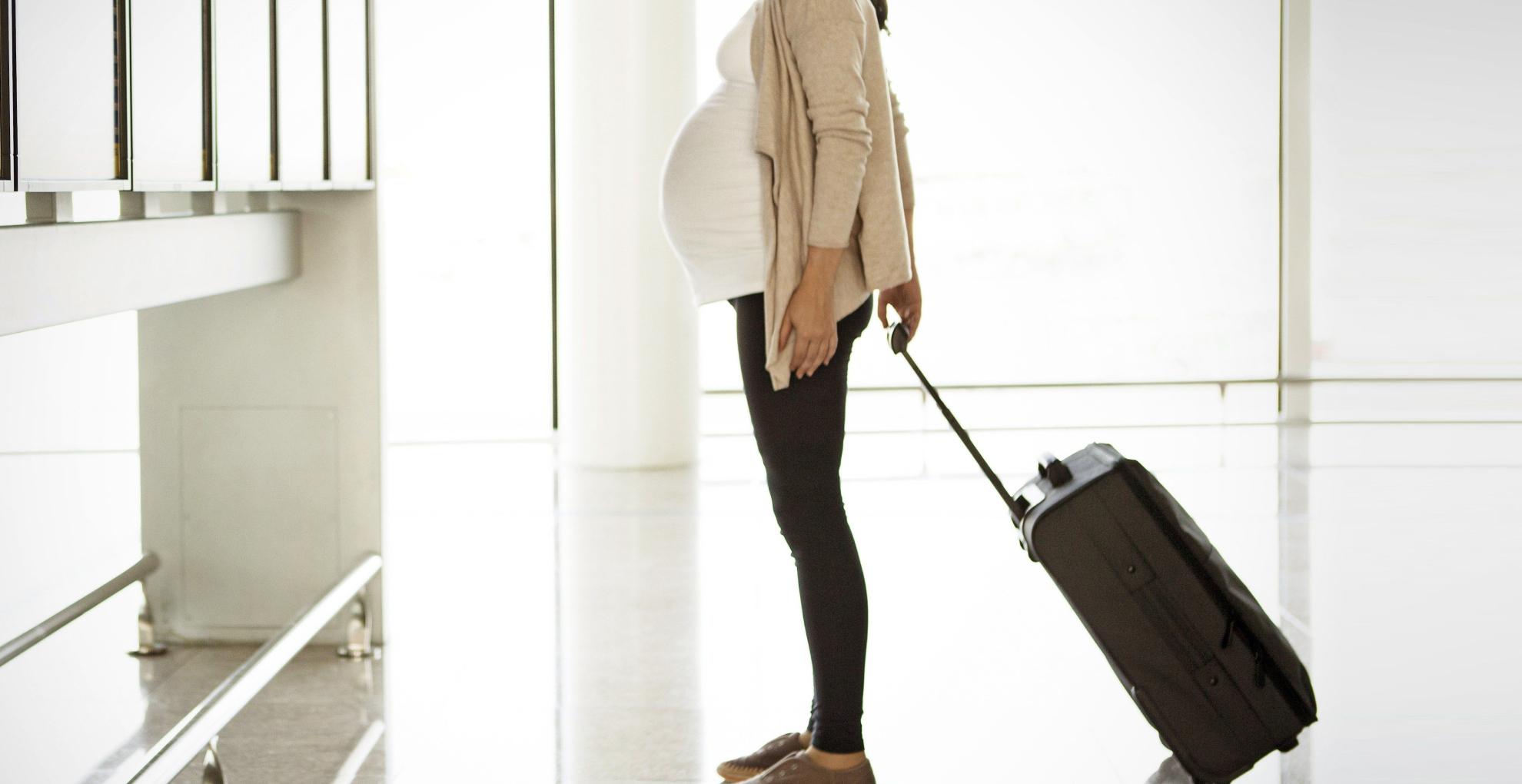Pregnancy Travel Tips: प्रेग्नेंसी के दौरान सफर करते वक्त फॉलो करें ये टिप्स, नहीं होगी किसी तरह की समस्या