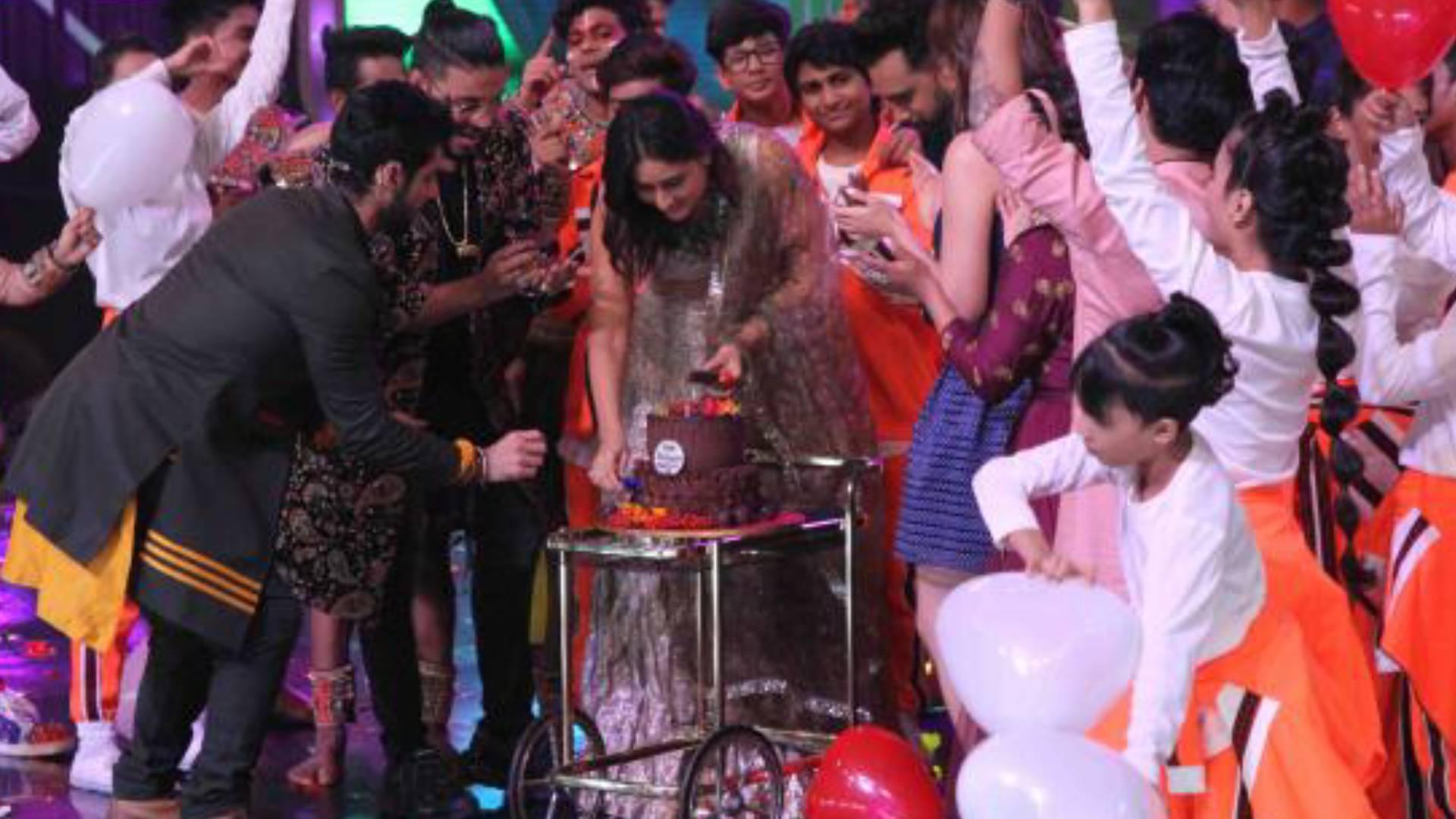 Trending News: DID के मंच पर करीना कपूर का बर्थडे हुआ सेलिब्रेट, मोहसिन खान की हुई तबीयत खराब