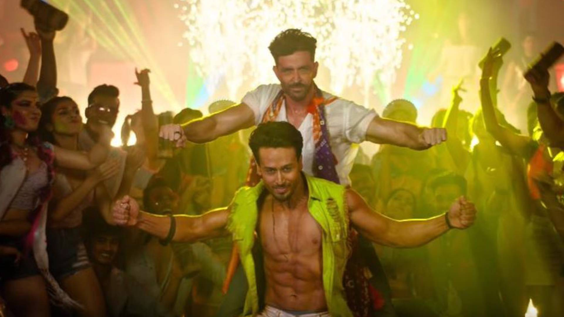 Jai Jai Shivshankar Song: रिलीज होते ही छाया वॉर फिल्म का ये गाना, मस्ती में डूबे दिखें ऋतिक रोशन-टाइगर श्रॉफ