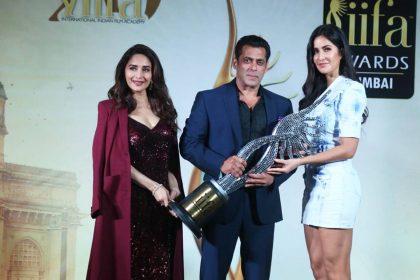 सलमान खान, कैटरीना कैफ और माधुरी दीक्षित ने मुंबई में IIFA की एक प्रेस कॉन्फ्रेंस में (फोटो-APH इमेजेस)