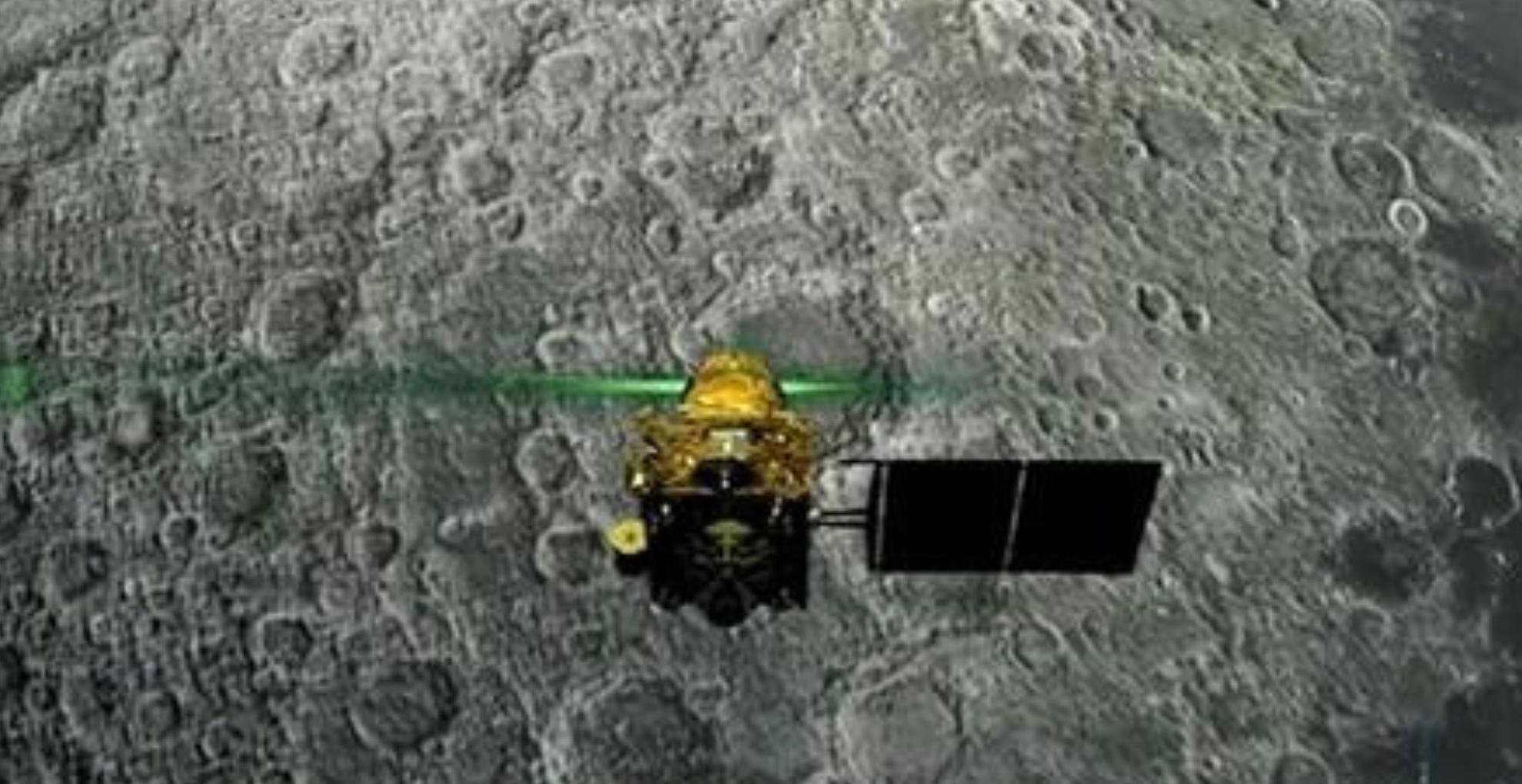 चांद पर लैंडिंग से पहले ही उलझे विक्रम के कदम, संपर्क टूटा, वैज्ञानिक मायूस, लेकिन पीएम मोदी ने कही ये बात
