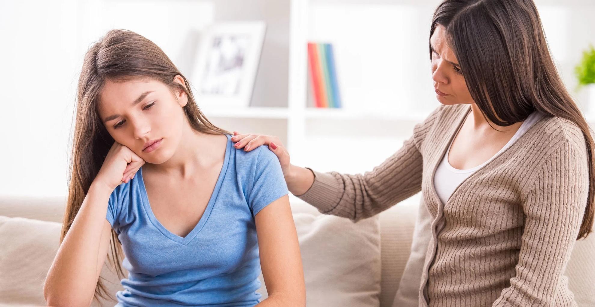Realtionship Tips: अपनी मां से कभी ना छिपाएं ये 5 बातें, वरना मुसीबत में पड़ सकती हैं आप