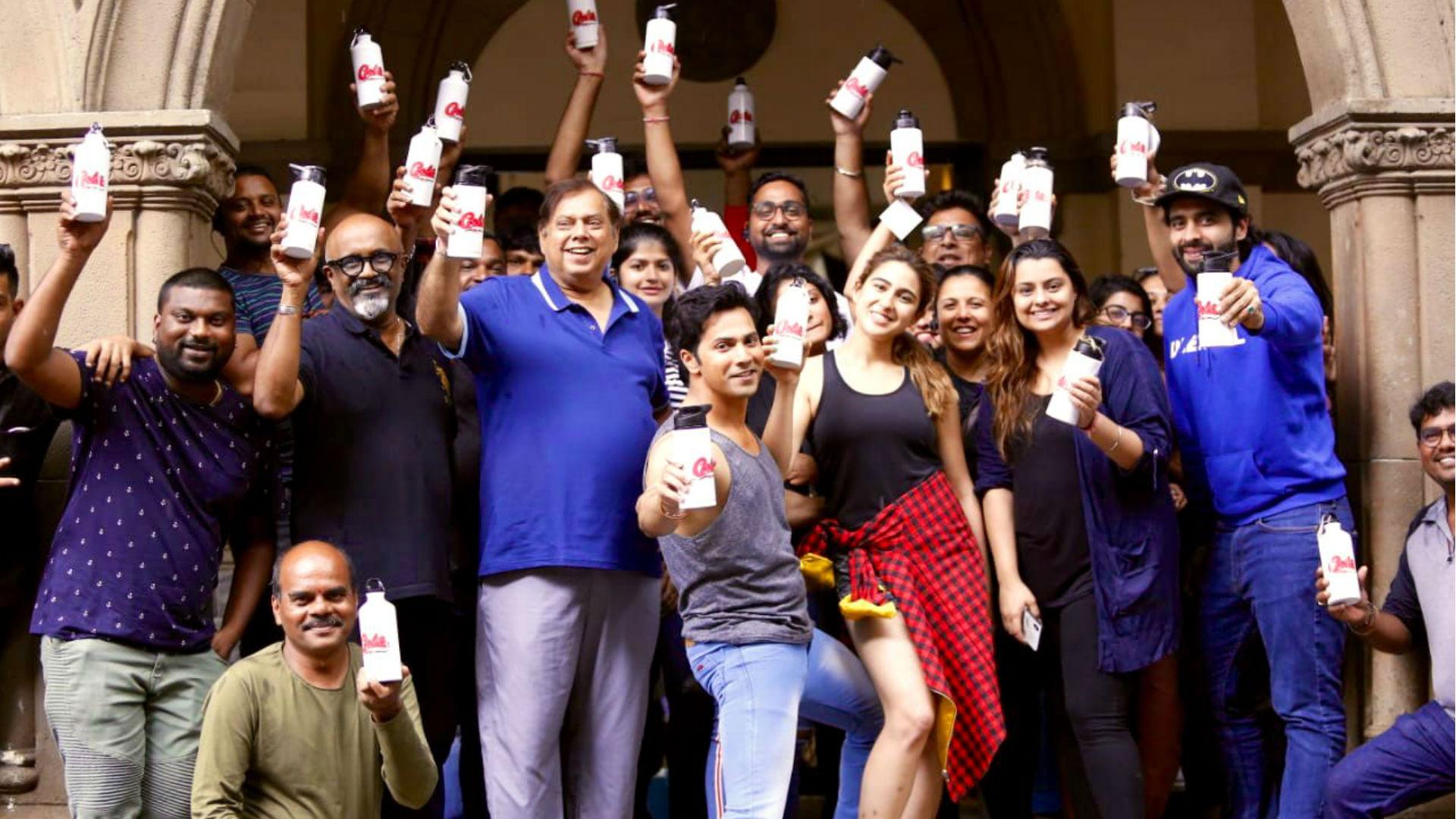 Coolie No 1 Movie: इस तरह से प्लास्टिक फ्री हुआ फिल्म का सेट, तो पीएम नरेंद्र मोदी ने की तारीफ