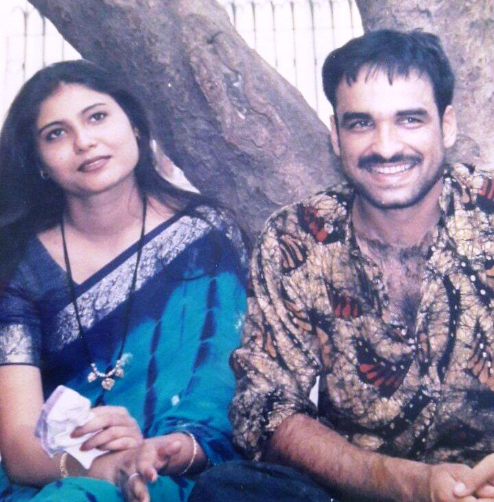 Pankaj-Tripathi-with wife-Mridula