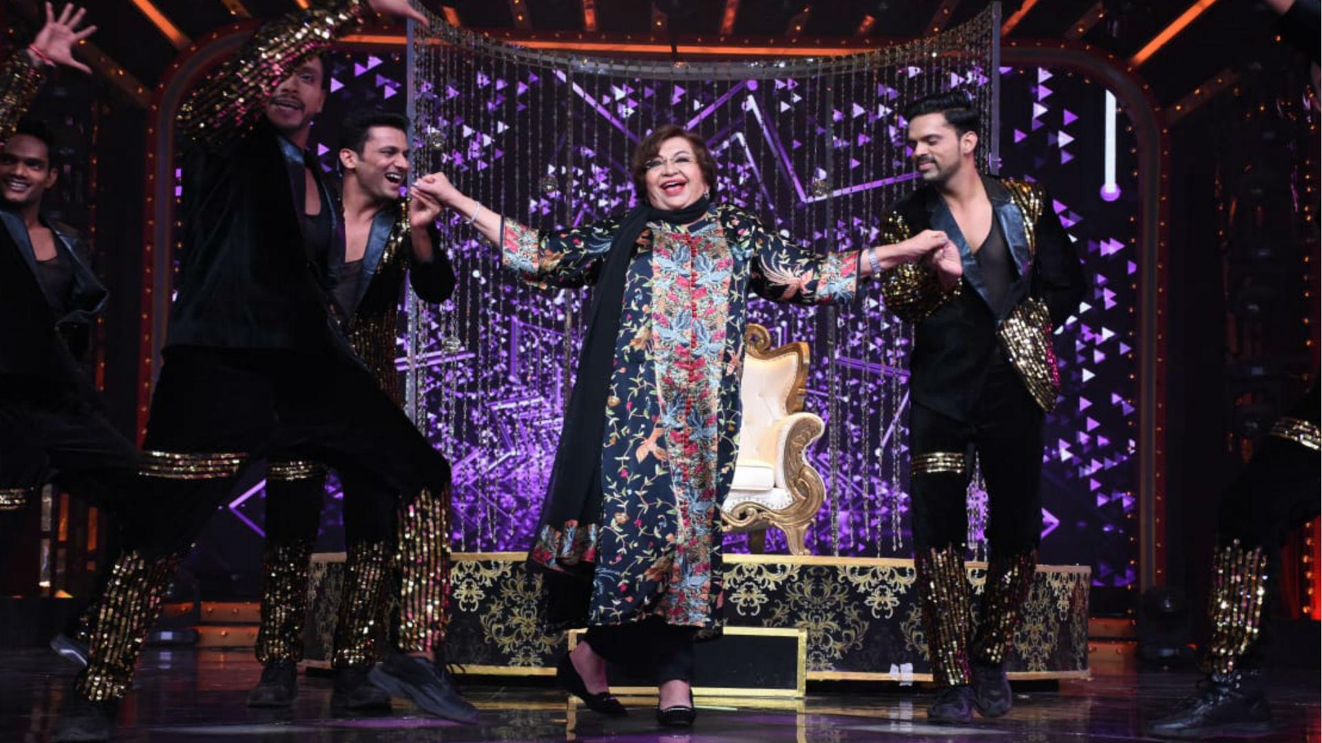Nach Baliye 9: नच के मंच पर पहुंचीं अपने जमाने की मशहूर डांसिंग क्वीन हेलेन, शो में भावुक हुईं एक्ट्रेस