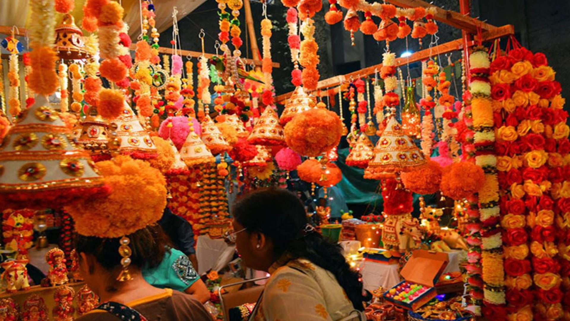 Diwali 2019: दिवाली की शॉपिंग के लिए बेस्ट है दिल्ली के ये बाजार, आपके बजट में हो जाएगी सारी खरीदारी