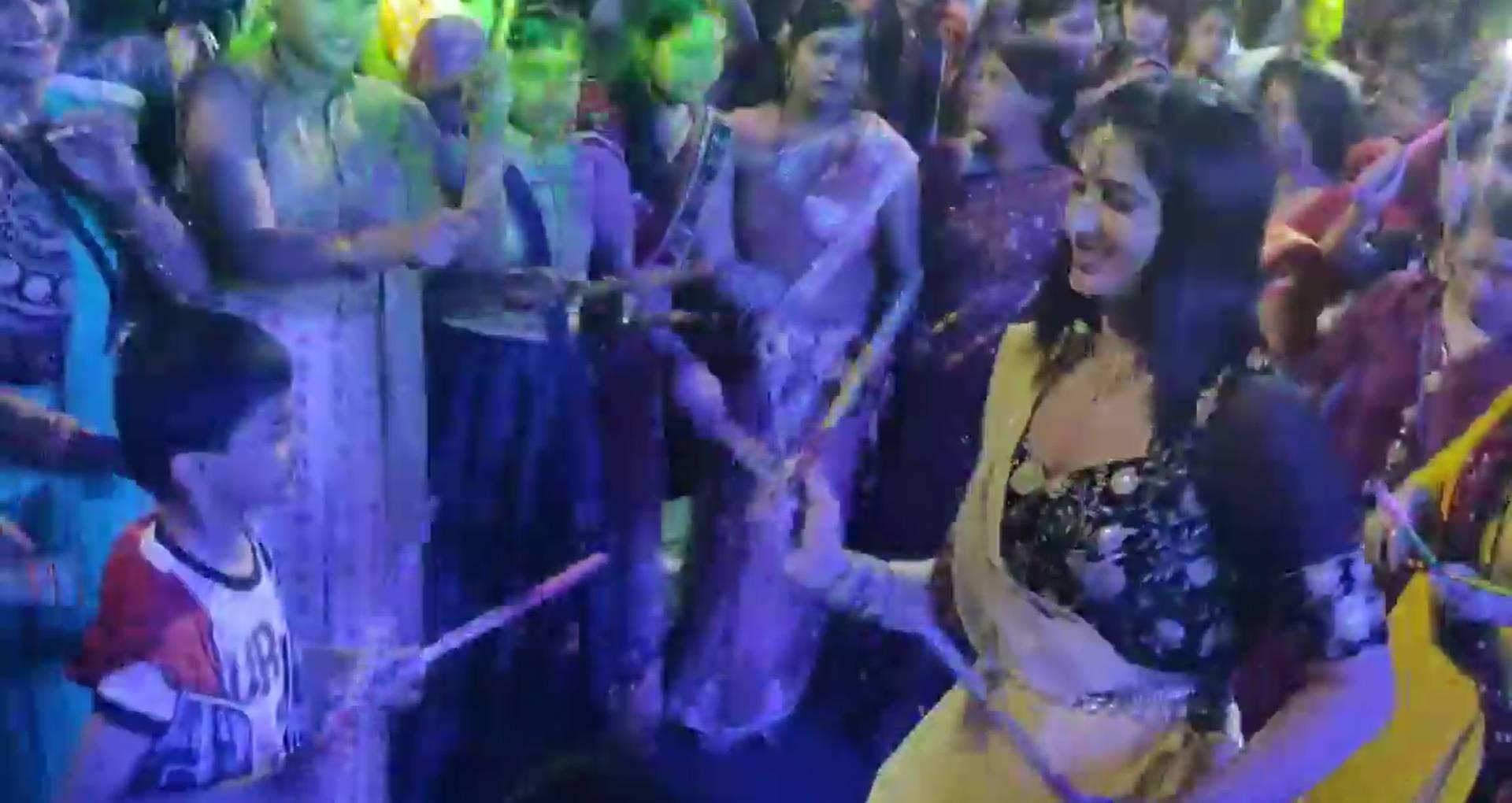 पूनम दुबे ने इस नवरात्रि फैंस के साथ मचाया धमाल, वीडियो में देखिए भोजपुरी एक्ट्रेस का ये शानदार गरबा डांस