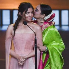 Rekha repeats dialogue of Alia Bhatt from gully boy movie at iifa awards 2019 watch video