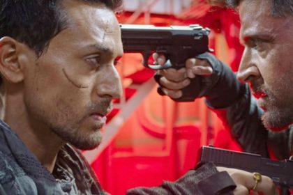 War Movie Box Office Collection day 2 Hrithik Roshan Tiger Shroff Vaani Kapoor