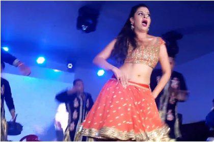 भोजपुरी एक्ट्रेस संभावना सेठ का धमाकेदार स्टेज परफॉरमेंस, तेजी से वायरल हो रहा है डांस वीडियो