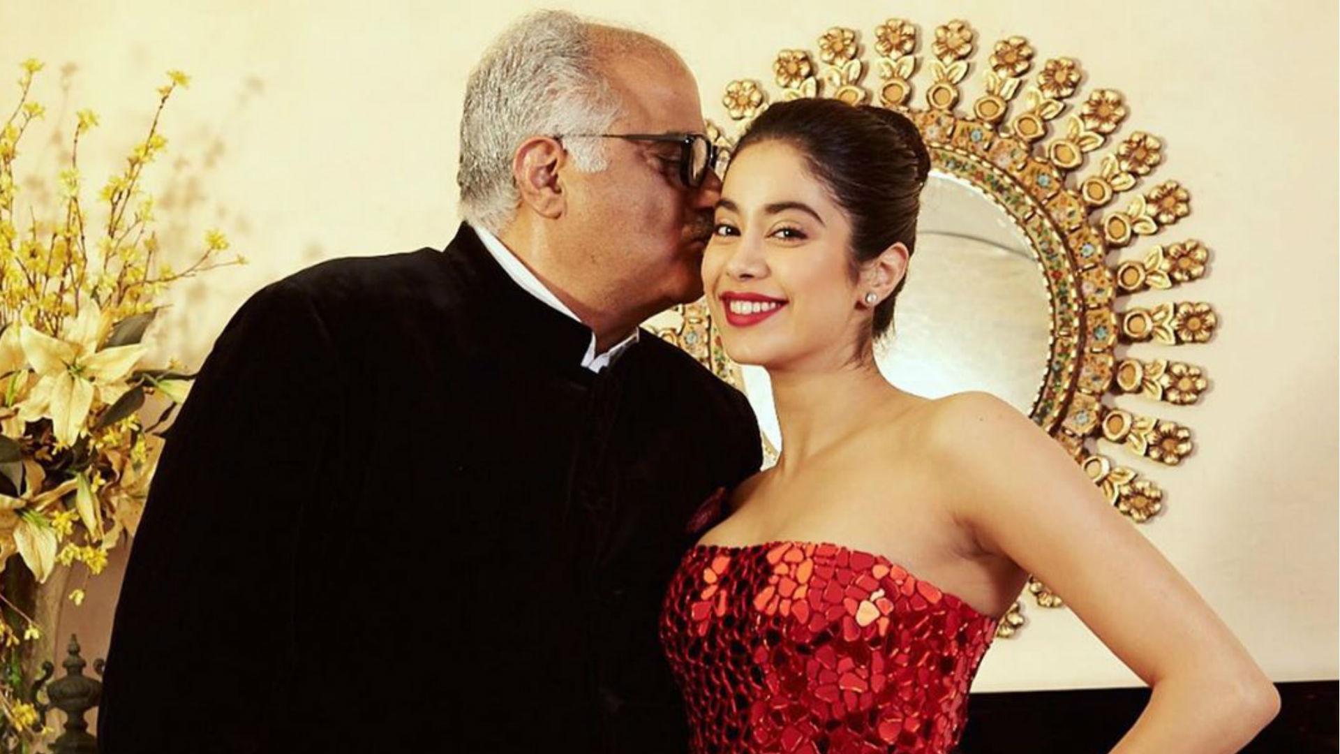 Boney Kapoor Birthday: पिता के जन्मदिन पर जान्हवी कपूर ने शेयर की यादें, देखिए कपूर परिवार की अनदेखी तस्वीरें