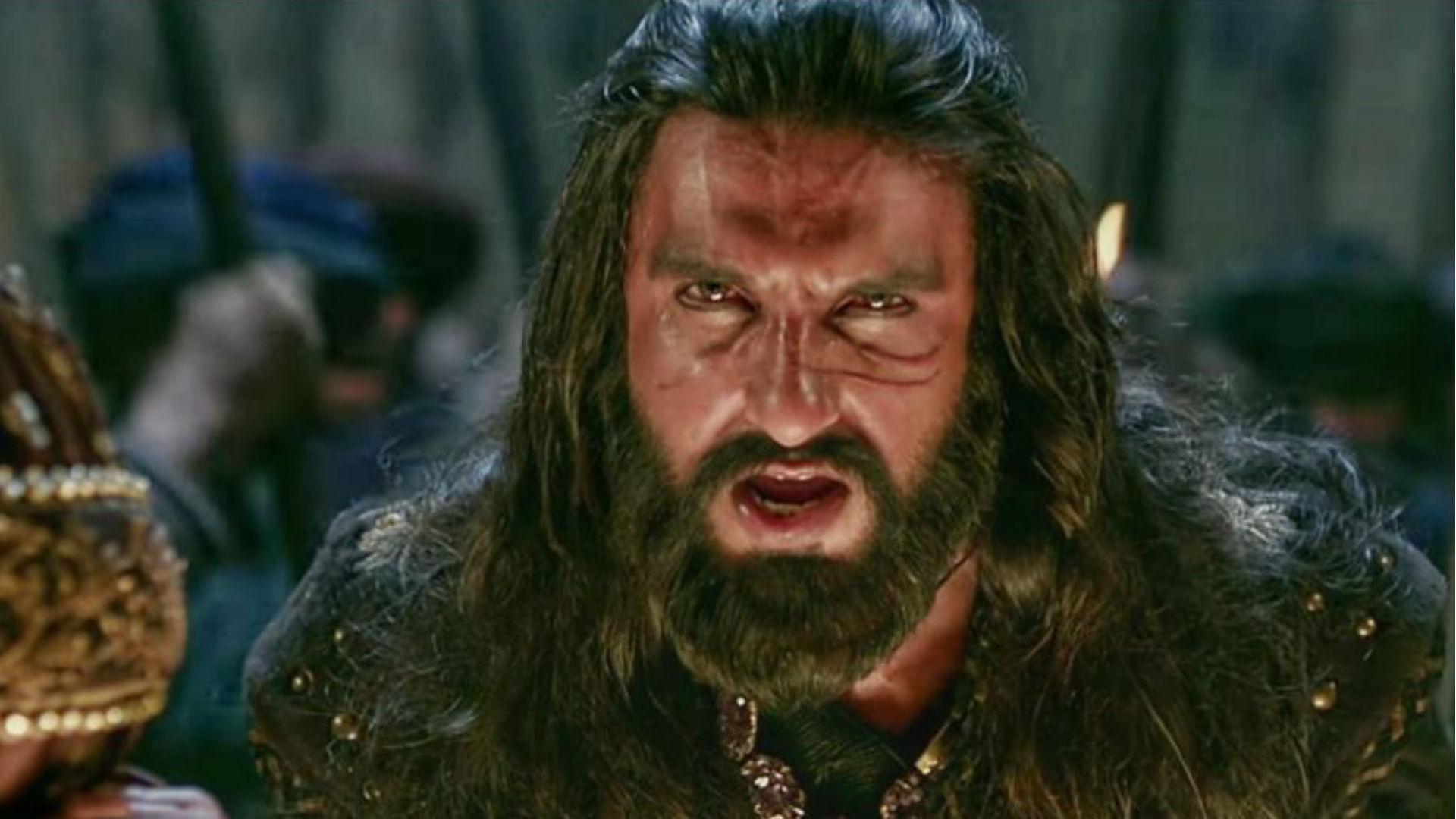 VIDEO: रणवीर सिंह को किया ट्रोल, तो गुस्से में बोले एक्टर- काम धंधा नहीं है, मेरी लाइफ में क्यों आए?