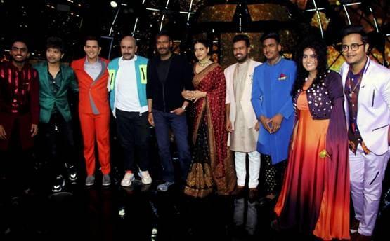 अजय,काजोल और इंडियन आइडल टीम फोटो: योगेन शाह